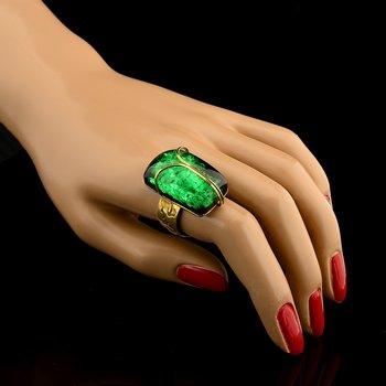 Буранит –зеленый искусственный янтарь