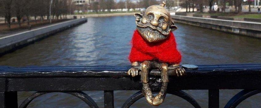В Калининграде у хомлина на Медовом мосту украли янтарный крест