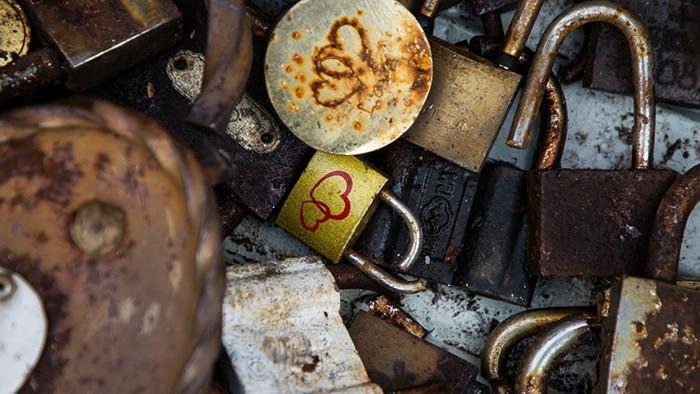 Калининградский янтарный комбинат намерен запустить новую свадебную традицию