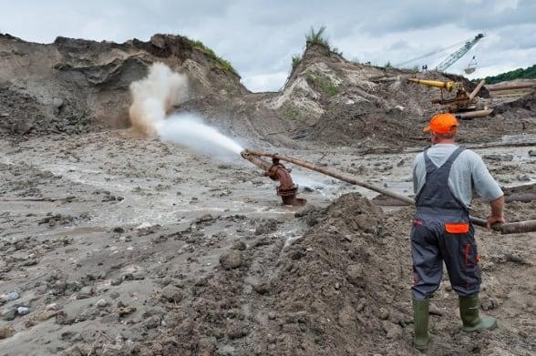 Калининградский янтарный комбинат вложит в развитие более 1 млрд рублей