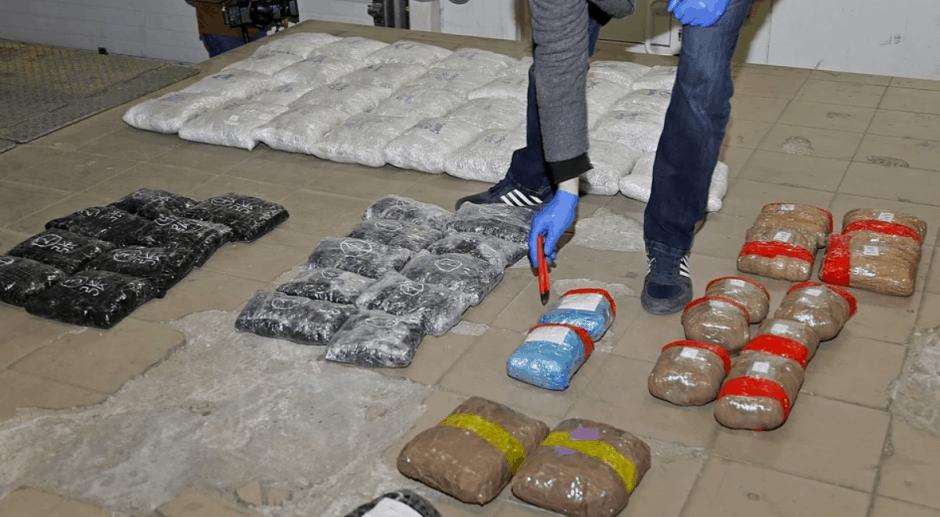 Калининградские таможенники задержали самую крупную партию контрабандного янтаря за 10 лет