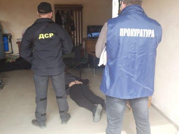 В Ровенской области задержали организатора нелегального янтарного бизнеса