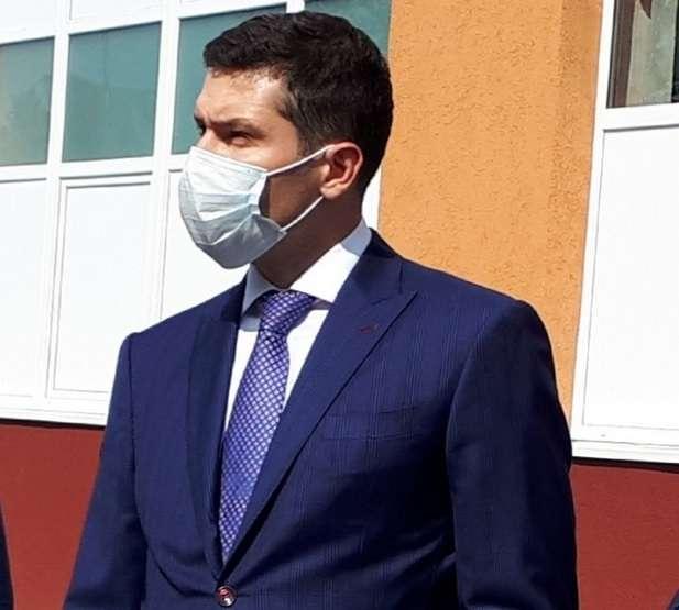 Алиханов заявил об уходе с материка чёрных копателей янтаря