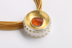 Goldsmiths-amber